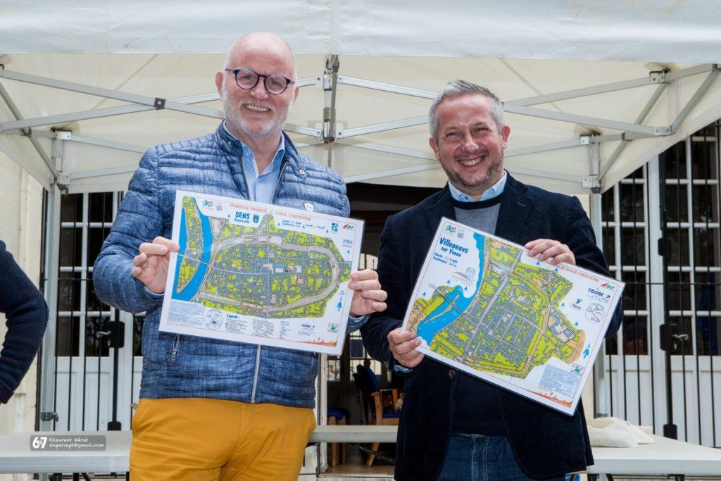 Les élus locaux de Sens et de Villeneuve-sur-Yonne lors de la cérémonie des récompenses du sprint qualificatif à Sens, septembre 2019